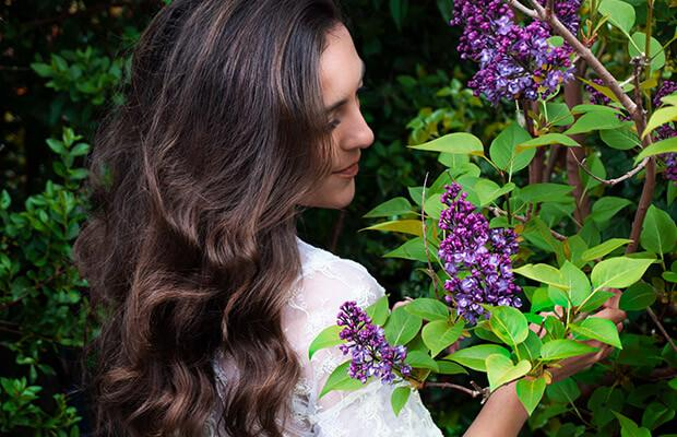 Heatless Hairstyles: How to Air-Dry Your Curls