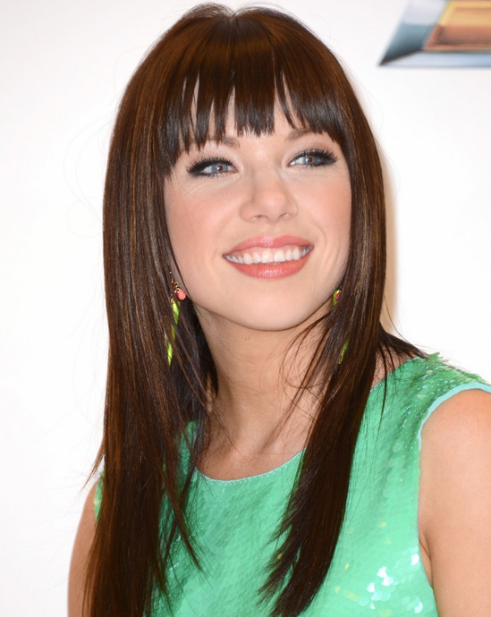 brown-hair-extensions-Carly-Rae-Jepsen's-Hair