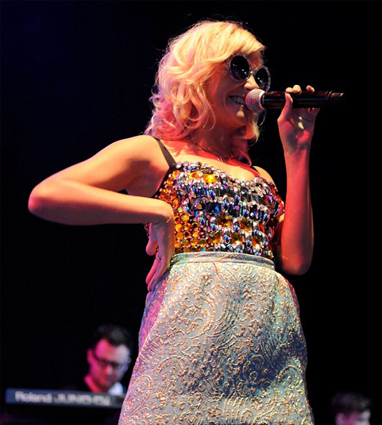 Celebrity-Hairstyles-at-V-Festival-Pixie-Lott