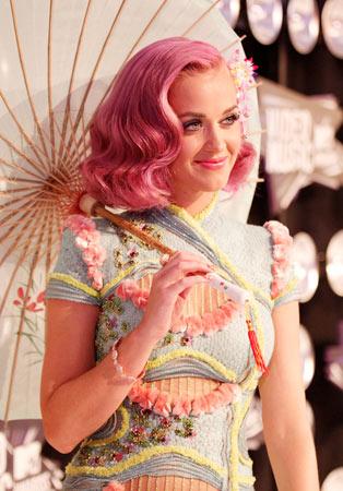 Katy-Perry-Pink-Hair1