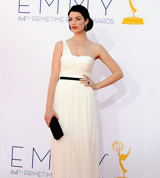 Red-Carpet-Hairstyles-for-the-Emmy-Awards-Updo