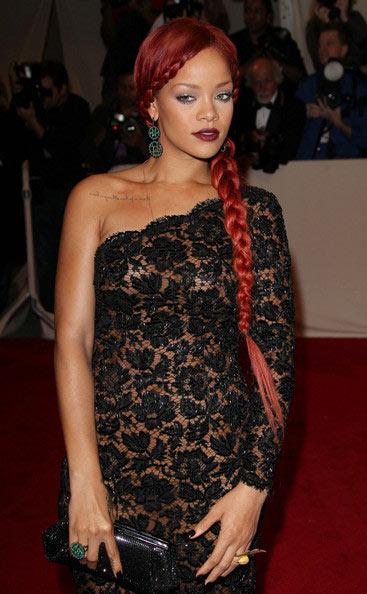 Rihanna-long-hair-24-inch-hair-extensions
