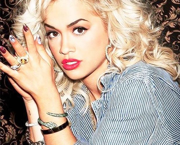 How to get Rita Ora curls