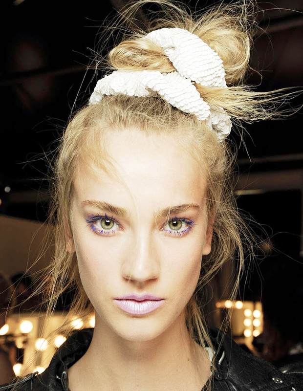 How to Rock a 90's Scrunchie