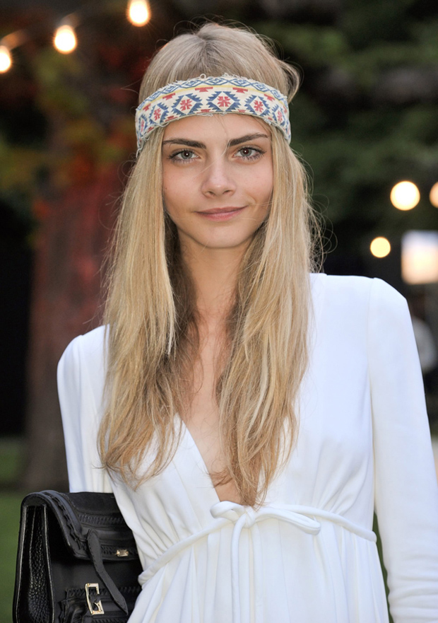 How The Celebrities Wear Hair Accessories Hair Extensions Blog