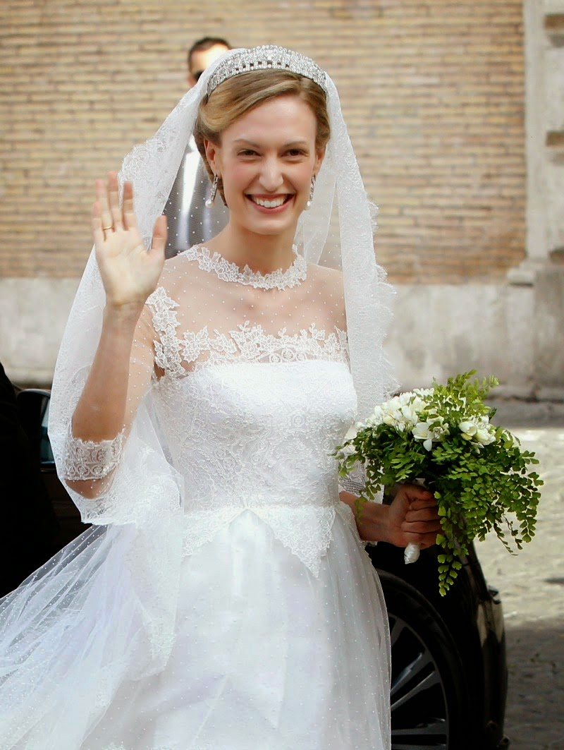 Bride-Hairstyles-milk-and-blush-blog-post-Princess-Elisabetta-of-Belgium