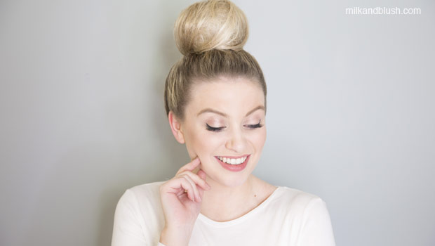 candy-floss-bun-medium-heatless-hairstyles-milk-and-blush-hair-extensions-blog
