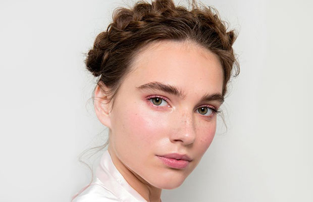 5-quick-christmas-day-hairstyles