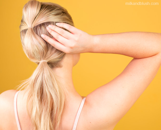 bubble-ponytail-gym-hairstyle