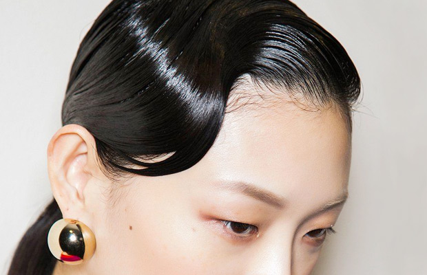 Can-You-Train-Your-Hair-To-Be-Less-Greasy-milk-and-blush