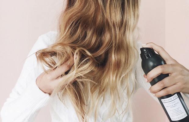 Why-Your-Hair-Looks-Greasy-After-Air-Drying