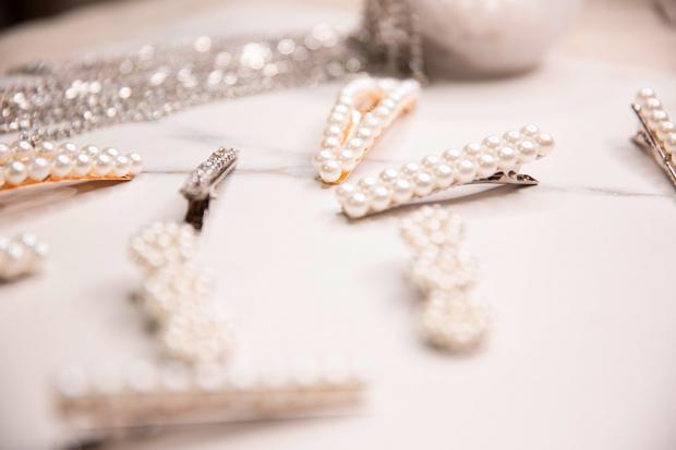 diy-pearl-hair-clips-1